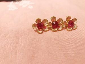 """Travelling Madeleine - brooch - """" cherry pink flower """""""
