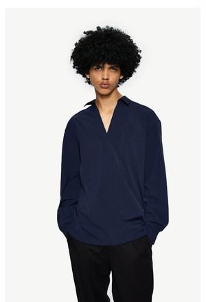 メンズvネック長袖シャツ。きれいめなおしゃれブラックカラー
