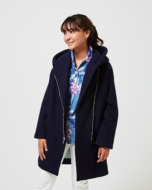 NEED TO DROP INTO TOKY COAT/NAVY