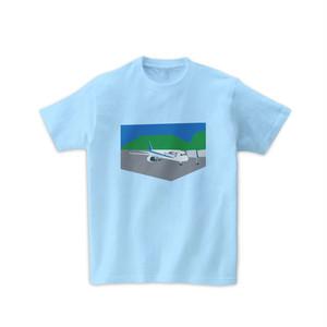 飛行機Tシャツ-飛行場に停留中の飛行機