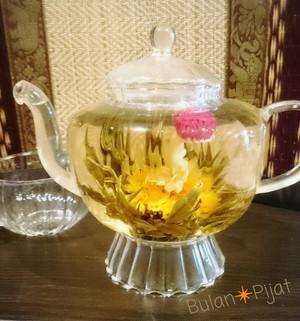 工芸茶 蝶恋花 お湯を注ぐと花が咲く中国茶 蝶戀花 お花茶