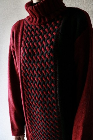Vintage black x red turtle neck sweater