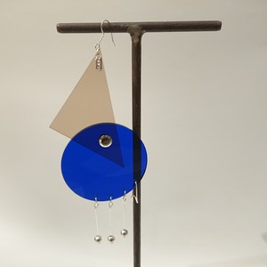 Azumi and David / layered constructivist earring (triangle & circle)