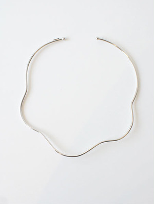 Curved line Necklace /  Sea'ds mara