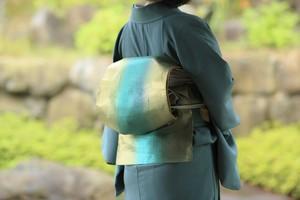 エメラルドグリーンに紗綾形の地紋 袋帯