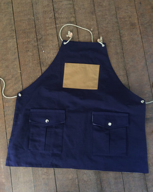 Mountain reversible apron[Moon Night Navy]