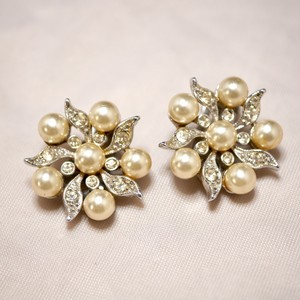 CHAREL clip-on earrings