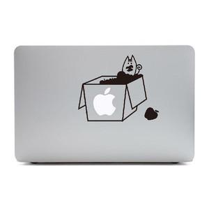 MacBook Air11インチ用背面デザインステッカー「りんご箱の中のリス」