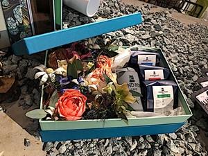 FLOWER x COFFEE GIFT BOX (フラワーメゾン『BON CHIC BON GOUT』コラボレーション企画)