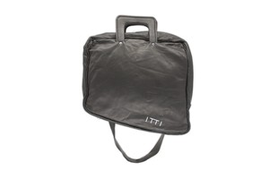 ITTI limited by salon de GAUCHO special naname-bag/black 290