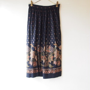 Italy black×oriental flower skirt