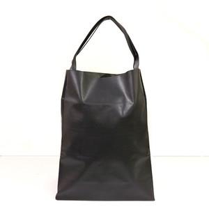 軽くて薄い牛革のバッグ L BAG BK(黒)