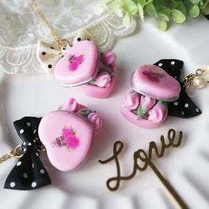 バラの花の砂糖漬け缶ネックレス/バッグチャーム