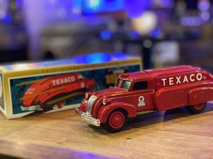 品番3425 1/38スケール ERTL 1939年 ダッジ エアフロー テキサコ タンカー トラック 1993 EDITION #10 元箱付 貯金箱 コインバンク  ダイキャストカー 011