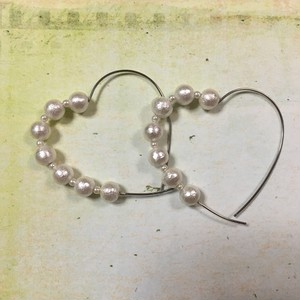 silver heart hoop & cotton pearl