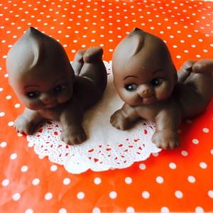 ベビーシャワー★チョコレート色のハイハイ赤ちゃん★ソフビ