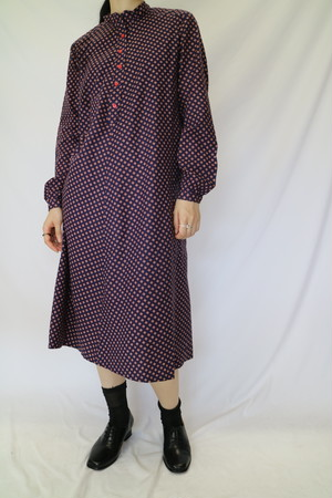 collar less dress【0045】