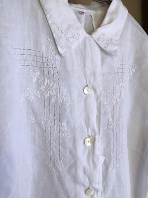 French 50's Flower Embroidery Blouse