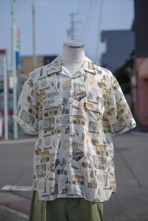 Men's / linen open collar SHIRT with oldies pattern