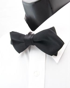 スタンダード・ポインテッドエンド (ブラックサテン/ソリッド) 作り結び型(フック型)