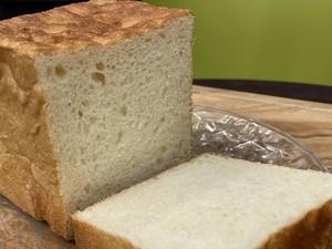 デニッシュ・クルミとメープル食パン各1個