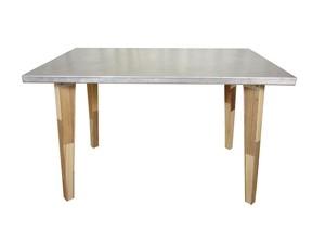 アルミのテーブル