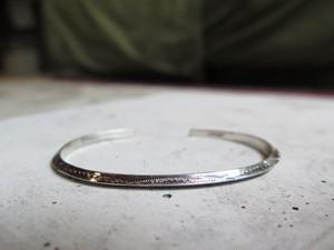 silver bangle (トライアングル小)