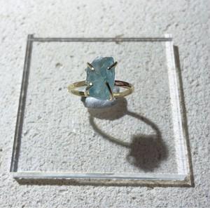 アクアマリンの真鍮槌目リング(11号)