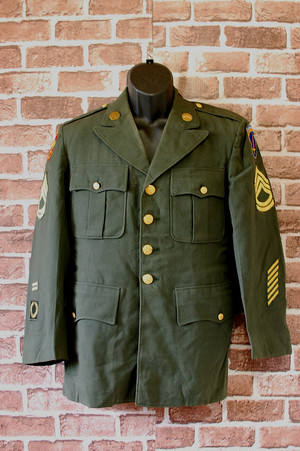 Vintage 1956 US Army Coat Man's 100% Wool Serge Size38S RankB