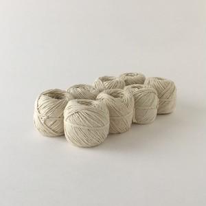 白いコットンの紐玉|Cotton Thread White(PUEBCO)