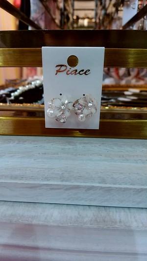 フラワービジューとパール&光石のピアス
