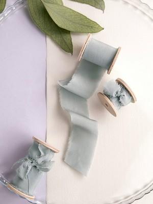 Eucalyptus green Silk Ribbon(手染め手裂きタイプ) ■木製スプール付 シルクリボン ユーカリグリーン