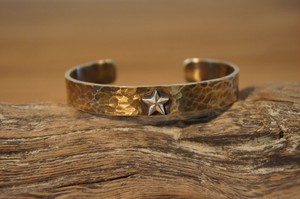 hammer finish brass bangle (+silver star)
