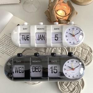 retro calendar clock 2colors / レトロ カレンダー クロック アラーム アナログ 置き時計 韓国 雑貨