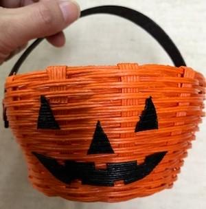 ハロウィンアイテム(オレンジ籠)