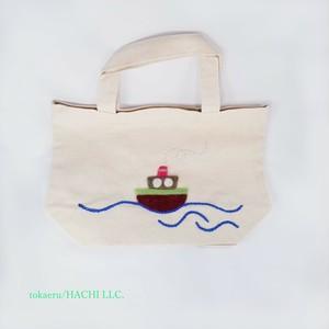 トートバッグ( フェルト刺繍「船」:マチ10cm)