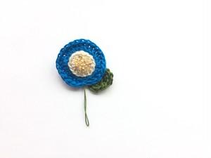 手編み*お花ブローチ(青)