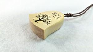 木のネックレス 青森ひば 鳩とオリーブ
