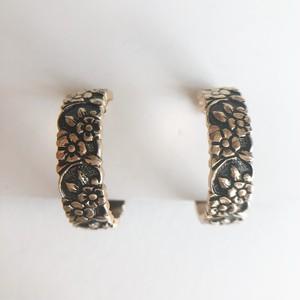 gold flower hoop earring[e-1241] ヴィンテージイヤリング