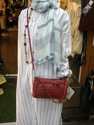 【iris】 【日本製】【オイルレザー】(6color)牛革製・斜め掛けお財布ショルダ- rn-553