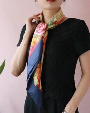 GUCCI horse design scarf