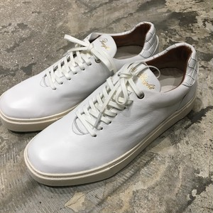 【EARLE】 Hole cut sneakers