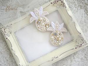 パイナップルプリンセス  ビーズ刺繍のピアス