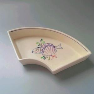 POOLE プールポタリーの扇形のお皿 貝&魚