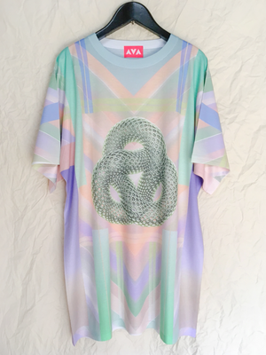 Heaven's torus graphic Tee