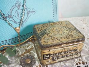 ティン缶 小物入れ ANTIQUE EADIES COLLECTORS RING TRAVELLERS