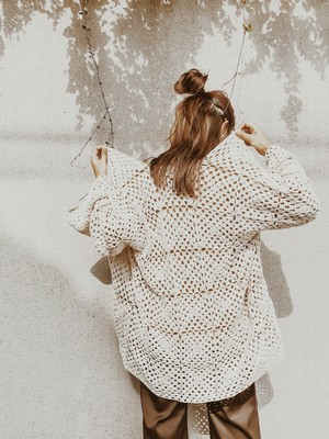 CREAM KNIT GOWN