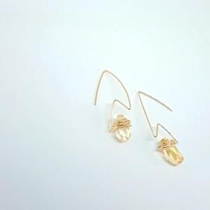 シトリンのエッジピアス✧star bright jewelry