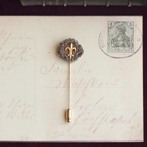 ユリの勲章 / ピンブローチ(gold)