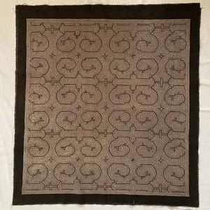 泥染め布 6中型88x80cm紫系焦茶 AAA 十字架 シピボ族の泥染め タペストリー